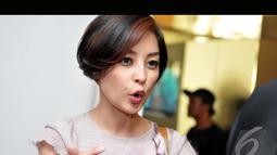 Putri Patricia kebanjiran pujian dari teman-teman sesama selebriti karena potongan rambut barunya, Jakpus, Kamis (7/8/2014) (Liputan6.com/Panji Diksana)