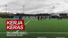 Berita video laporan jurnalis Bola.net, Fitri Apriani, dari Birmingham, Inggris, untuk melihat secara langsung kerja keras tim Garuda Select.