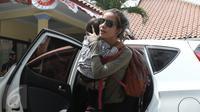Sheila Marcia mendatangi Komnas Perlindungan Anak, Jakarta, Selasa (5/4). (Liputan6.com/Herman Zakharia)