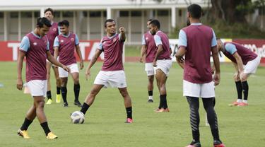 Pemain PSM Makassar, Ferdinand Sinaga, saat sesi latihan jelang laga Piala AFC di Stadion Madya, Jakarta, (9/3/2020). PSM Makassar akan berhadapan dengan Kaya FC. (Bola.com/M Iqbal Ichsan)