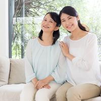 Menjalin hubungan baik dengan mertua./Copyright shutterstock.com