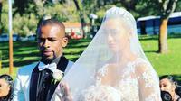 Bintang Madura United, Greg Nwokolo menikahi model cantik, Kimmy Jayanti di Australia, Minggu (20/5/2018). (Instagram.com/kimmyjayanti)