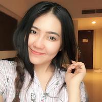 Dalam acara Result & Reunion Show Indonesian Idol 2018 yang digelar di Ecovention Ancol, Jakarta Utara, Senin (23/4), penyanyi asal Sidoarjo itu tampil sebagai bintang tamu. (Instagram/viavallen)