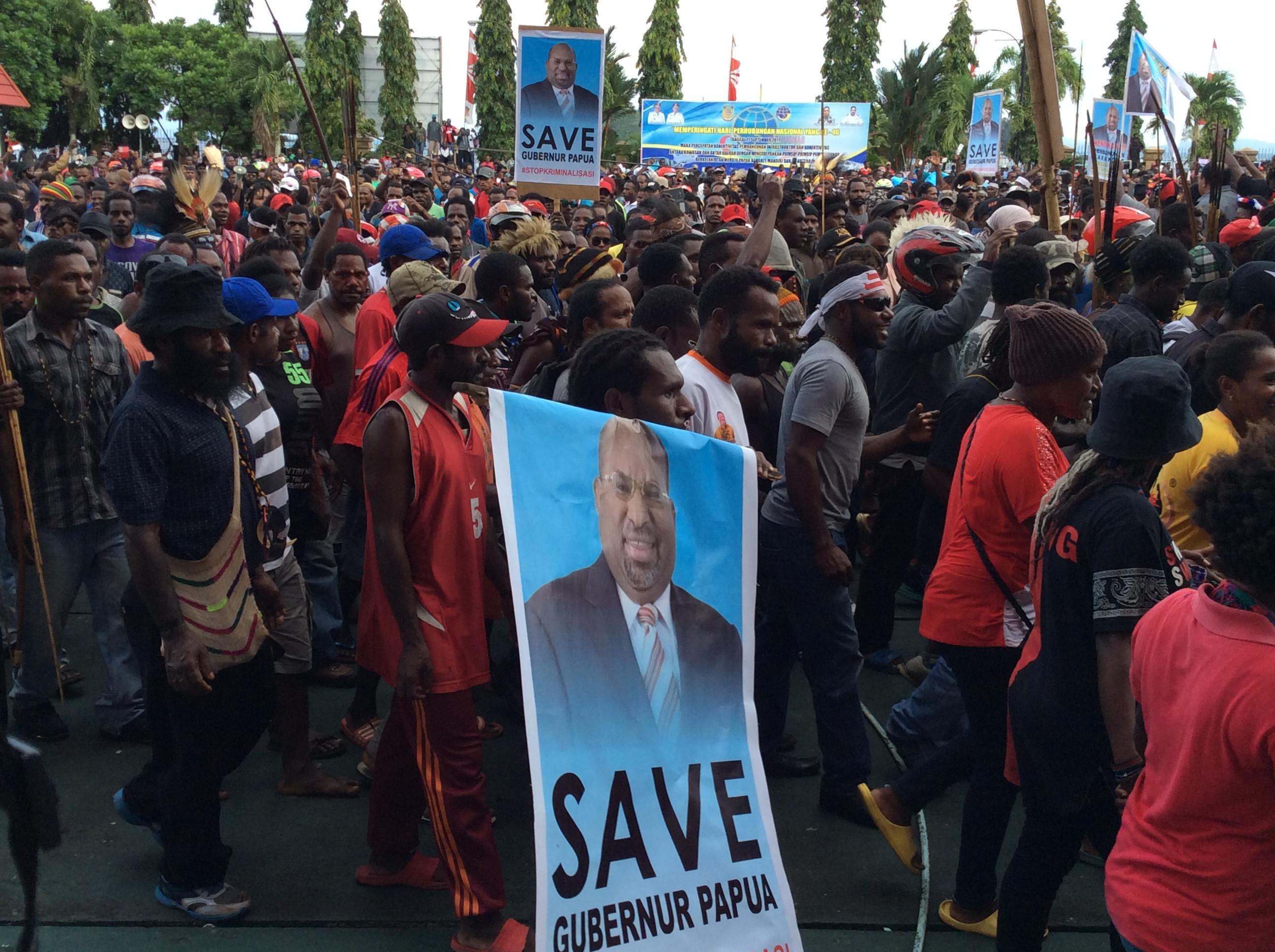 3000-an masyarakat Papua aksi turun ke jalan bela Lukas Enembe.