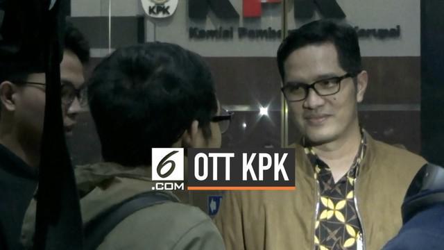 Komisi Pemberantasan Korupsi (KPK) masih memeriksa Gubernur Provinsi Kepulauan Riau (Kepri) Nurdin Basirun yang terjaring dalam operasi tangkap tangan (OTT), Rabu malam, 10 Juli 2019.