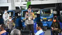 Kepala Korps Lalu Lintas (Kakorlantas) Polri Inspektur Jenderal Polisi Istiono saat Penutupan Pelatihan dan Pembagian Bantuan Program Keselamaran 2020 Tahap 1 di Bambu Apus, Jakarta Timur, Senin (18/5/2020). (Ist)