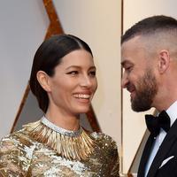 Mothers Day, diperingati oleh sebagian besar orang di dunia ini pada 14 Mei 2017 lalu. Salah satunya adalah pasangan Justin Timberlake dan Jessica Biel. Untaian kata dirangkai Justin untuk memberi ucapan pada sang istri. (AFP/Bintang.com)
