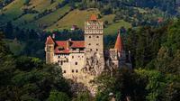 Di kehidupan nyata, kastil sering dimanfaatkan sebagai tempat wisata.