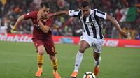 Winger AS Roma, Cengiz Under, saat menghadapi Juventus pada laga lanjutan Serie A musim lalu di Stadio Olimpico, Roma, 13 Mei 2018. (AFP/Tiziana Fabi)