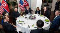 Makan malam Donald Trump dan Kim Jong-un di KTT Vietnam. (The White House Twitter)