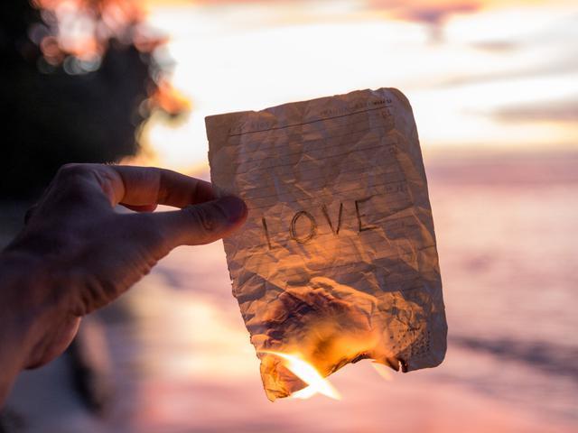 40 Kata Mutiara Galau Cinta Yang Menyentuh Hati Hot Liputan6 Com