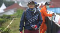 Atlet paralayang Indonesia, Rika Wijayanti, saat berlaga pada nomor ketepatan mendarat individual di Gunung Mas, Jawa Barat (21/08/2018). Tim paralayang Asian Games Indonesia sementara masih berada dalam tiga besar. (Merdeka.com/Arie Basuki)