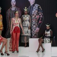 Tenun Sumba rancangan Adinda Moeda di Indonesia Fashion Week 2019