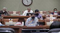 Menteri Kesehatan RI Budi Gunadi Sadikin mengikuti Rapat Kerja Bersama Komisi IX DPR RI Terkait Pelaksanaan Vaksinasi COVID-19 dan Ketersediaan Vaksin COVID-19 di Gedung DPR, Jakarta pada Senin, 15 Maret 2021. (Dok Kementerian Kesehatan RI)