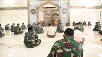 Suasana doa bersama untuk memperingati 40 hari gugurnya kru KRI Nanggala 402. (Istimewa)