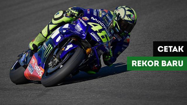 Berita video Valentino Rossi cetak keliling garis katulistiwa pada balapan di Sirkuit Jerez, Spanyol.