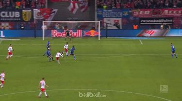 Berita video highlights Bundesliga antara RB Leipzig Vs Schalke 3-1. This video is presented by Ballball.