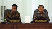 Sidang kabinet Paripurna yang dipimpin Presiden Joko Widodo, di Kantor Presiden, Jakarta, Rabu (4/2/2015) pagi, membahas Pilkada serentak, Perppu perubahan UU tentang kelautan, dan tentang perumahan rakyat. (Liputan6.com/Faizal Fanani)