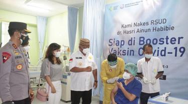Tenaga kesehatan (nakes) di Provinsi Gorontalo mulai menjalani vaksinasi covid-19 tahap III. Fto:Dok Humas (Arfandi Ibrahim/Liputan6.com)