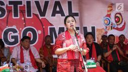 Menko PMK Puan Maharani memberi sambutan pada acara Festival Cap Go Meh 2570 di Seasons City, Jakarta,  Minggu (24/3). Acara ini mengusung tema The Little Singkawang. (Liputan6.com/Fery Pradolo)