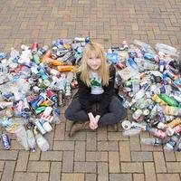 Inilah cerita tentang remaja berusia 12 tahun yang oleh teman-temannya dijuluki sebagai gadis sampah, tapi masyarakat dunia menyebutnya sebagai pahlawan. (Foto: Archant/DailyMail.co.uk)