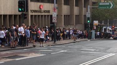Membeludaknya antrean pemilih di TPS Town Hall, Sydney pada hari pemungutan suara, Sabtu 13 April 2019 (Twitter / @AnandaAdvianta)