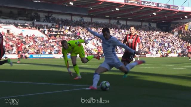 Berita video gol tendangan bebas indah Marcos Alonso saat Chelsea menang 3-1 atas Bournemouth. This video presented by BallBall.