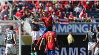 Partai antara Costa Roca melawan Paraguay pada laga perdana Grup A Copa America 2016 berakhir imbang tanpa gol. (EPA/Peter Powell)