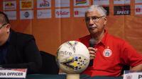 Pelatih Persija Jakarta, Edson Tavares, tak ingin timnya kebobolan melalui skema serangan balik saat menghadapi Borneo FC. (dok. Persija Jakarta)