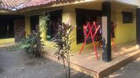 Penampakan rumah kontrakan yang disewa mahasiswi UGJ Cirebon saat ikut KKN tahun 2018 lalu. Foto (Istimewa)