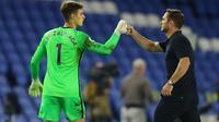 Dalam laga pembuka Premier League 2020-2021, Kepa Arrizabalaga tampil mengesankan meskipun gawang Chelsea kebobolan satu gol melawan Brighton & Hove Albion. (AFP/Richard Heathcote)