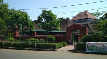 Cerita Masjid dan Klenteng Cirebon Dibangun Bersama Dalam Satu Malam