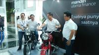 PT Bank Mandiri Persero Tbk bersama Mandiri Utama Finance bersinergi luncurkan program Mandiri Kredit Motor (Foto: Merdeka.com/Dwi Aditya Putra)