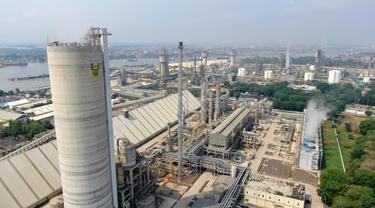 Pabrik Pupuk milik Pupuk Indonesia Holding Company