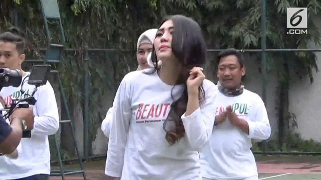 Tim kreatif pembuatan video klip untuk kampanye akhirnya memenuhi panggilan panwaslu kabupaten Sidoarjo.