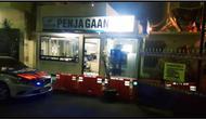 Lokasi ditemukannya benda diduga peledak di Mapolresta Cirebon. (Liputan6.com/Panji Prayitno)