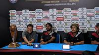 Konferensi SC Piala Presiden 2019 jelang final leg kedua. (Bola.com/Muhammad Adiyaksa).