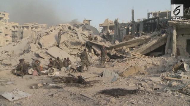 Pasukan pemerintah Suriah pada hari Senin mengumumkan bahwa penguasaan kubu ekstremis telah berakhir di selatan Damaskus, al-Hajar al-Aswad, telah direbut kembali, menandai kontrol penuh militer atas Damaskus.