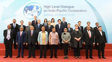 Delegasi 18 negara dalam dialog tingkat tinggi Indo Pasifik di Jakarta, Rabu 20 Maret 2019 (kredit: Kemlu RI)