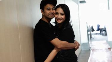 Raffi Ahmad mengungkapkan jika sang istri, Nagita Slavina lebih mapan dari dirinya di sebuah acara televisi.
