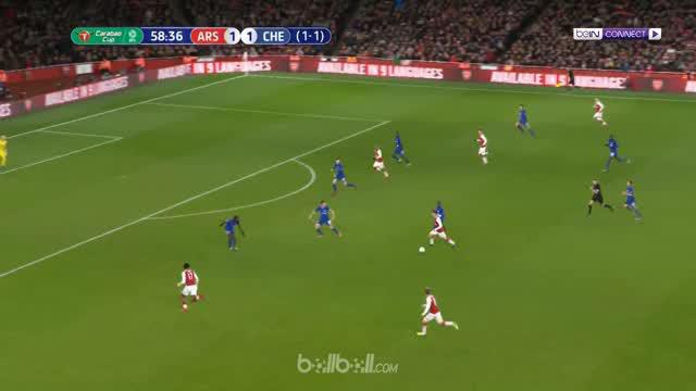 Berita video highlights Piala Liga 2017-2018, Arsenal vs Chelsea, dengan skor 2-1. This video presented by BallBall.