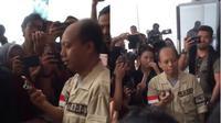 Momen Sutopo Purwo Video call dengan Raisa (foto: twitter/@rahmiuwi)
