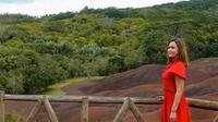 Maia Estianty saat berkunjung ke Mauritus, Afrika Timur. (dok. Instagram @maiaestiantyreal/https://www.instagram.com/p/B3WFUuQnRCs/Putu Elmira)