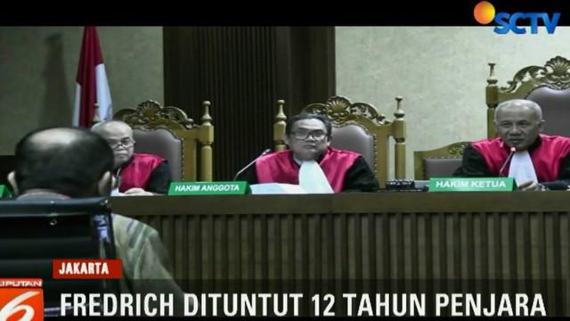 Terdakwa juga meminta dokter RS Permata Hijau untuk merekayasa data medis terpidana Setya Novanto untuk menghindari pemeriksaan penyidik KPK.