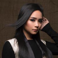 Minta dicubit, makeup Gita Gutawa ini super gemesin. (Sumber foto: gitagut/instagram)