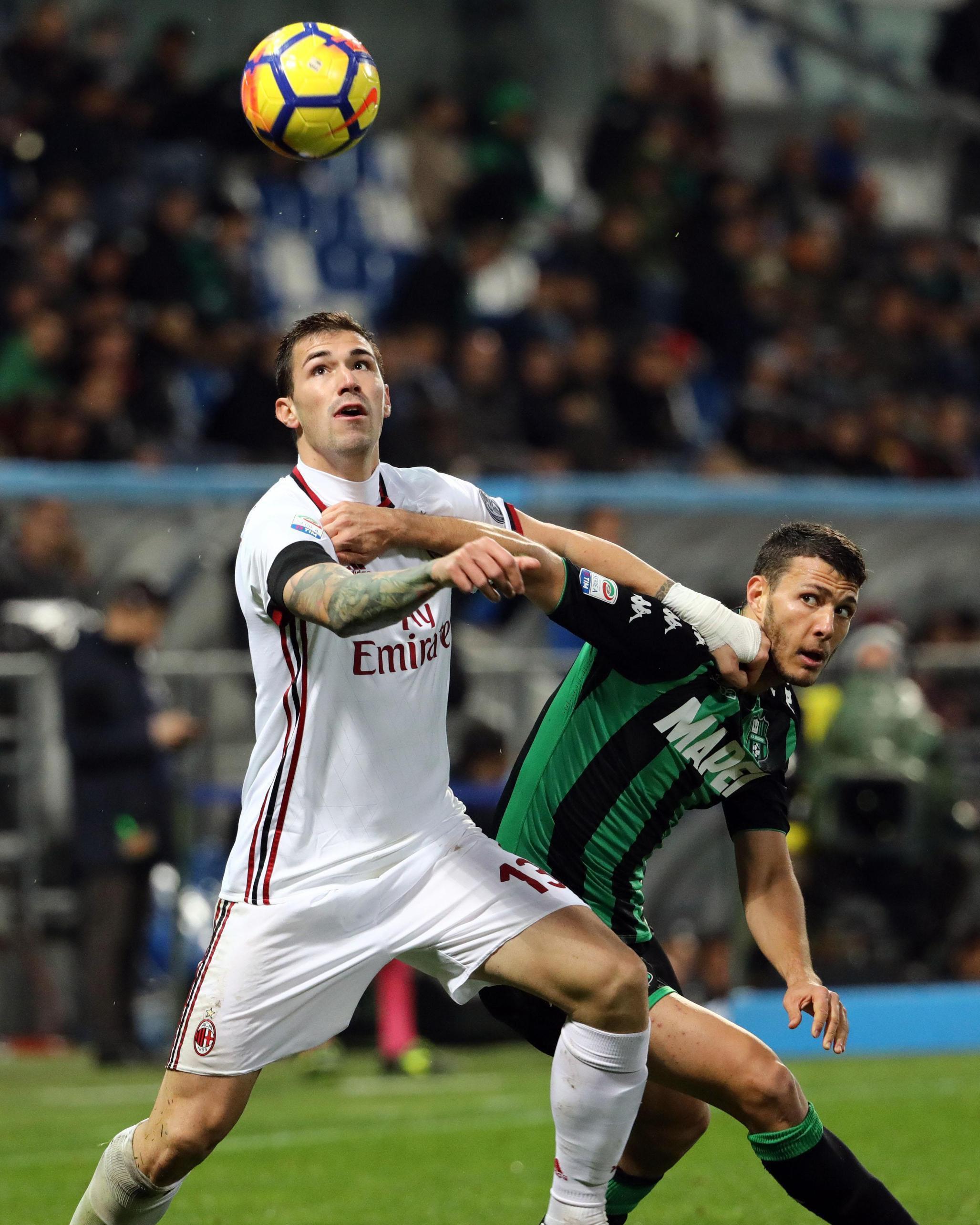Alessio Romagnoli saat beraksi bagi AC Milan. (Elisabetta Baracchi/ANSA via AP)