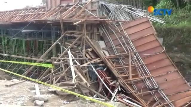Tim Komite Keselamatan Kontruksi (K3) dari Kementerian PUPR, mendatangi lokasi ambruknya proyek Tol Manado-Bitung. Kedatangan tim tersebut untuk menginvestigasi penyebab insiden ambruknya jembatan.