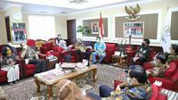 Menteri PAN-RB Tjahyo Kumolo menerima delegasi Alumni Perguruan Tinggi Jawa Barat Peduli Pancasila di kantornya, Kamis (21/1/2021). (Ist)