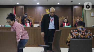 Miryam S. Haryani bersama penyidik senior KPK Novel Baswedan dan Heriawan Antono (kiri ke kanan) saat menjadi saksi pada sidang lanjutan dugaan merintangi pemeriksaan pengadaan E-KTP dengan terdakwa Markus Nari di Pengadilan Tipikor, Jakarta, Rabu (9/10/2019). (Liputan6.com/Helmi Fithriansyah)