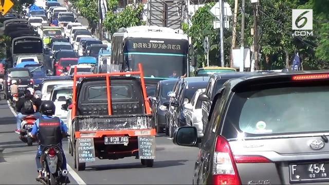 Polres Bogor akan menutup jalur lalu lintas penuju kawasan Wisata Puncak. Polisi juga akan melakukan penyekatan di sejumlah jalur menuju Puncak.